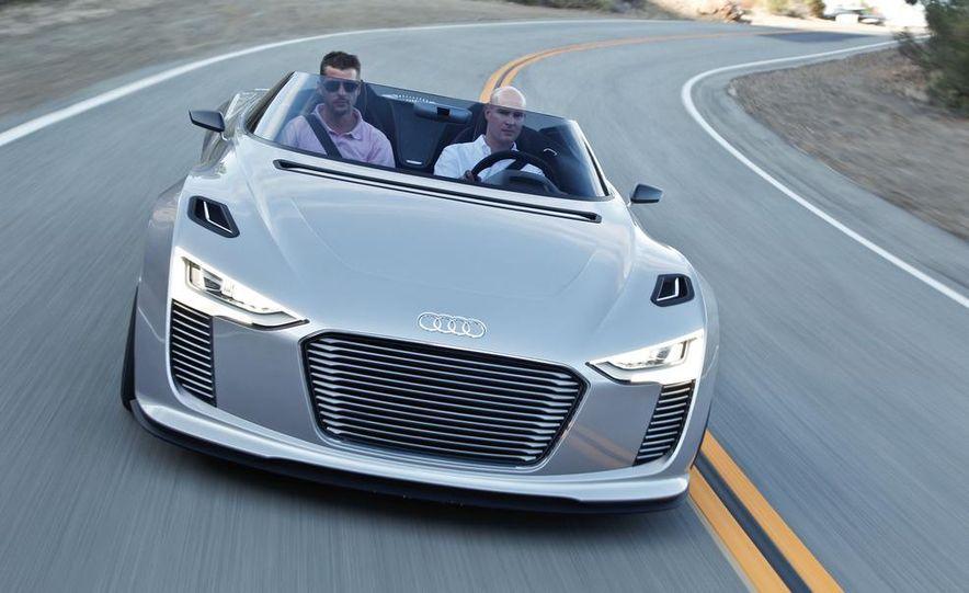 Audi e-tron Spyder concept - Slide 3
