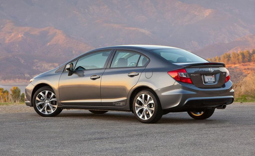 2012 Honda Civic Si sedan - Slide 7