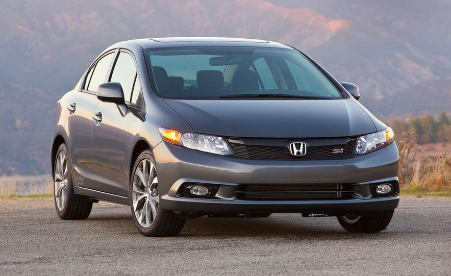 2012 Honda Civic Si sedan - Slide 2
