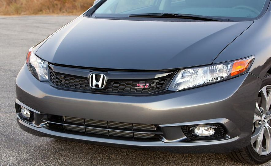 2012 Honda Civic Si sedan - Slide 9