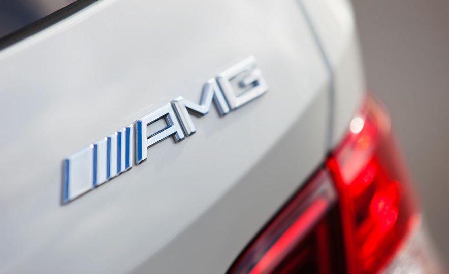 2012 Mercedes-Benz ML63 AMG - Slide 17