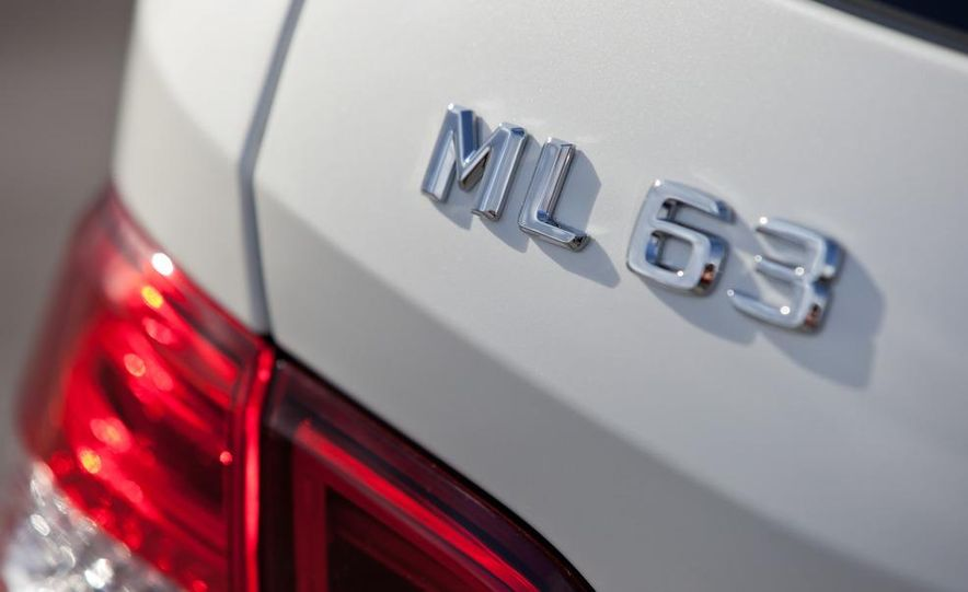 2012 Mercedes-Benz ML63 AMG - Slide 18