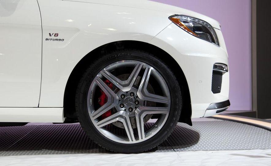 2012 Mercedes-Benz ML63 AMG - Slide 7
