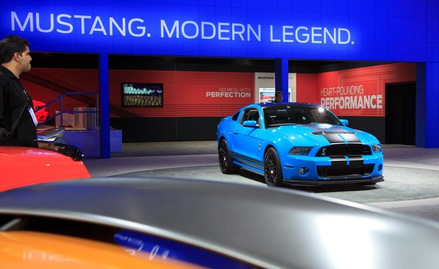 2013 Ford Mustang Shelby GT500 - Slide 1