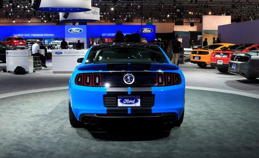 2013 Ford Mustang Shelby GT500 - Slide 4