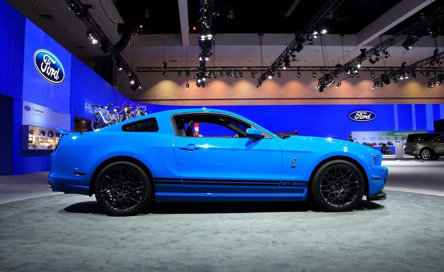 2013 Ford Mustang Shelby GT500 - Slide 5