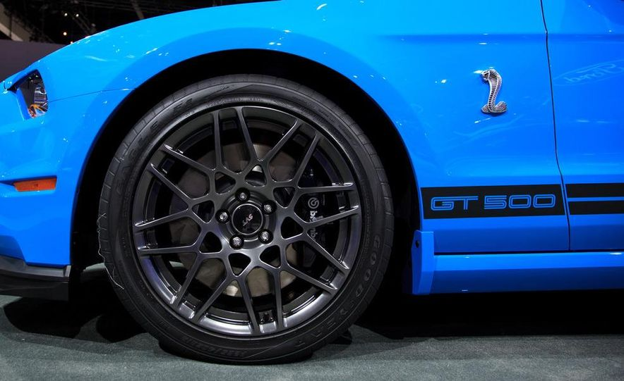 2013 Ford Mustang Shelby GT500 - Slide 11