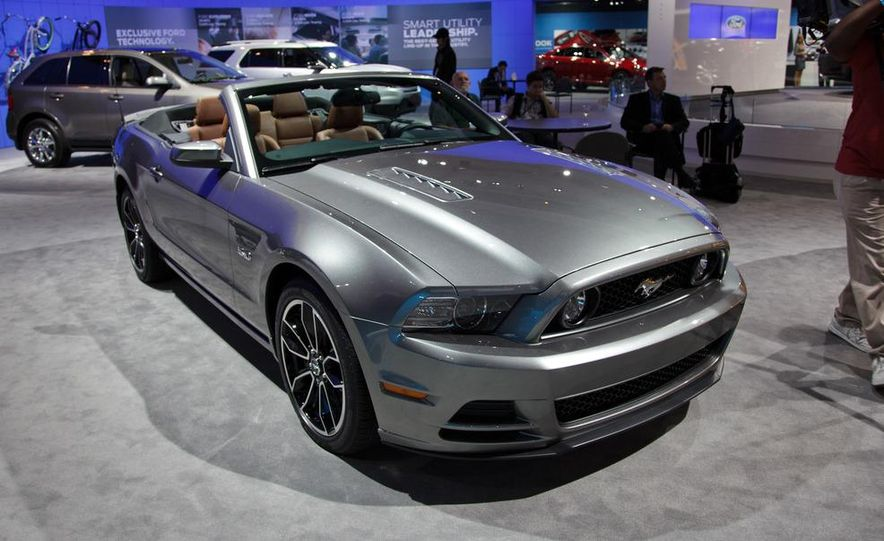 2013 Ford Mustang GT convertible - Slide 1