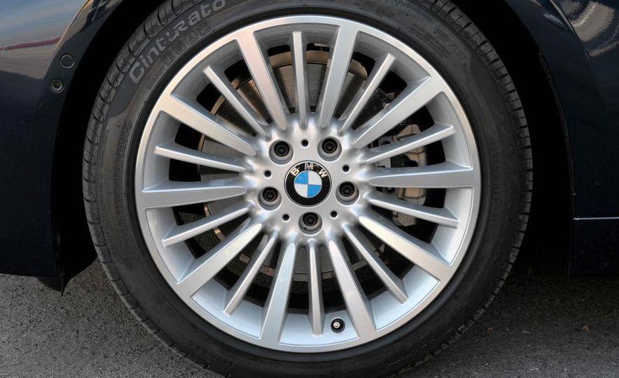 2012 BMW 320d Modern sedan, 328i Luxury sedan, and 328i Sport Line sedan - Slide 13