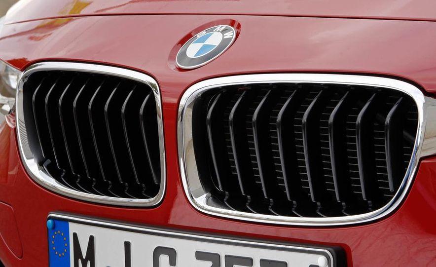 2012 BMW 320d Modern sedan, 328i Luxury sedan, and 328i Sport Line sedan - Slide 64