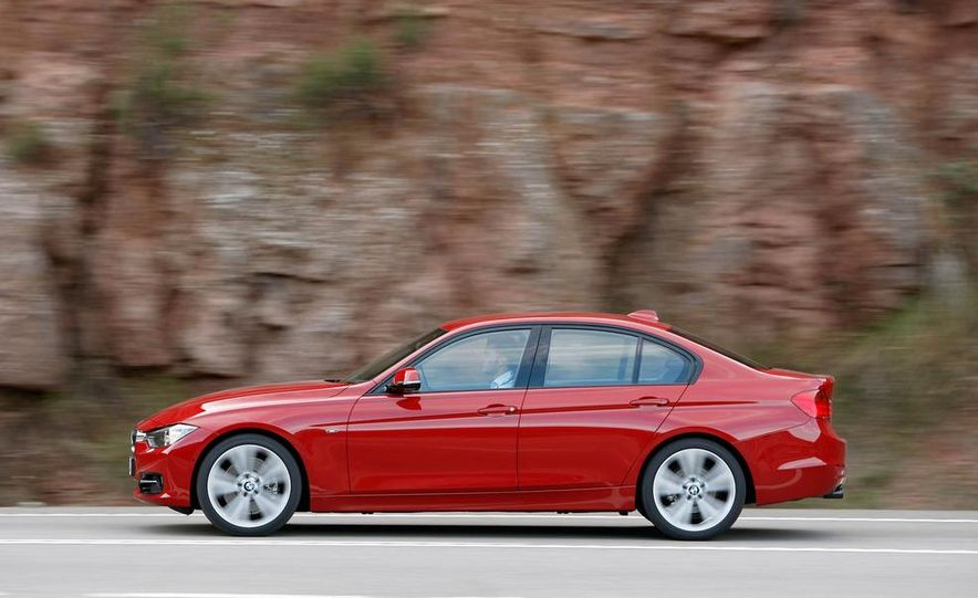 2012 BMW 320d Modern sedan, 328i Luxury sedan, and 328i Sport Line sedan - Slide 31