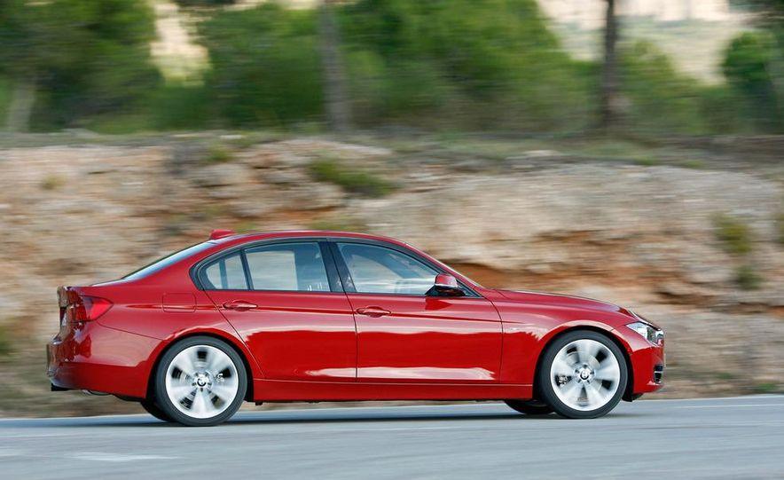 2012 BMW 320d Modern sedan, 328i Luxury sedan, and 328i Sport Line sedan - Slide 33