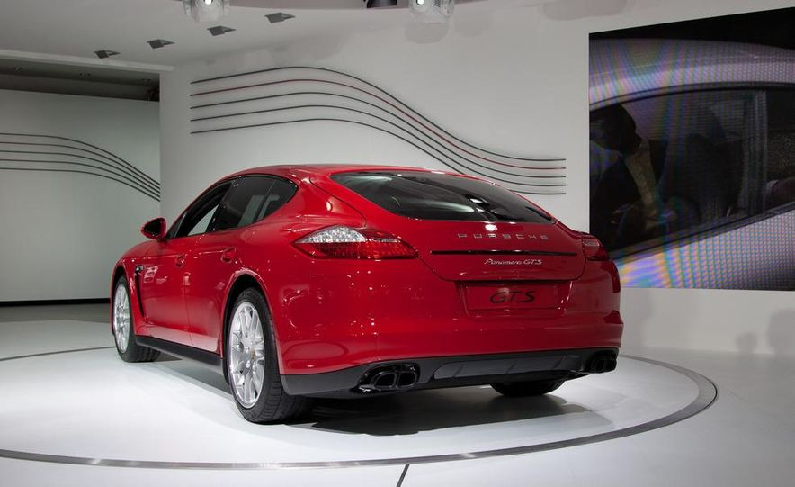 2013 Porsche Panamera GTS - Slide 2