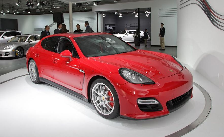 2013 Porsche Panamera GTS - Slide 5