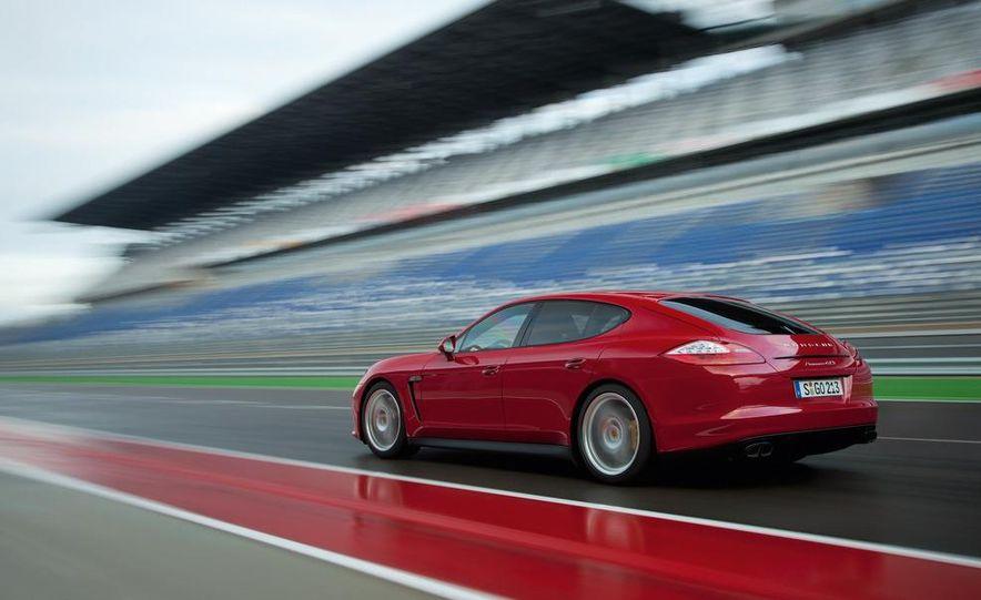 2013 Porsche Panamera GTS - Slide 22