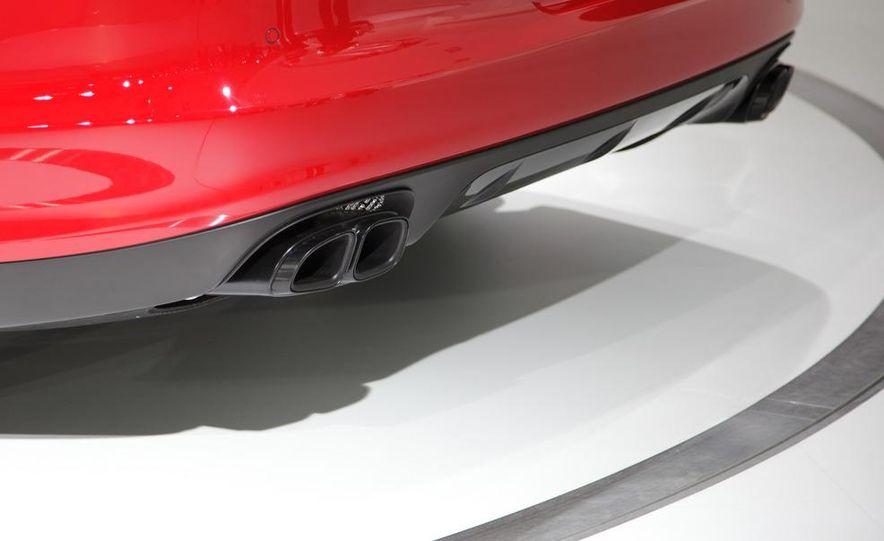 2013 Porsche Panamera GTS - Slide 12