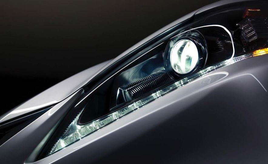 2013 Lexus GS350 - Slide 37