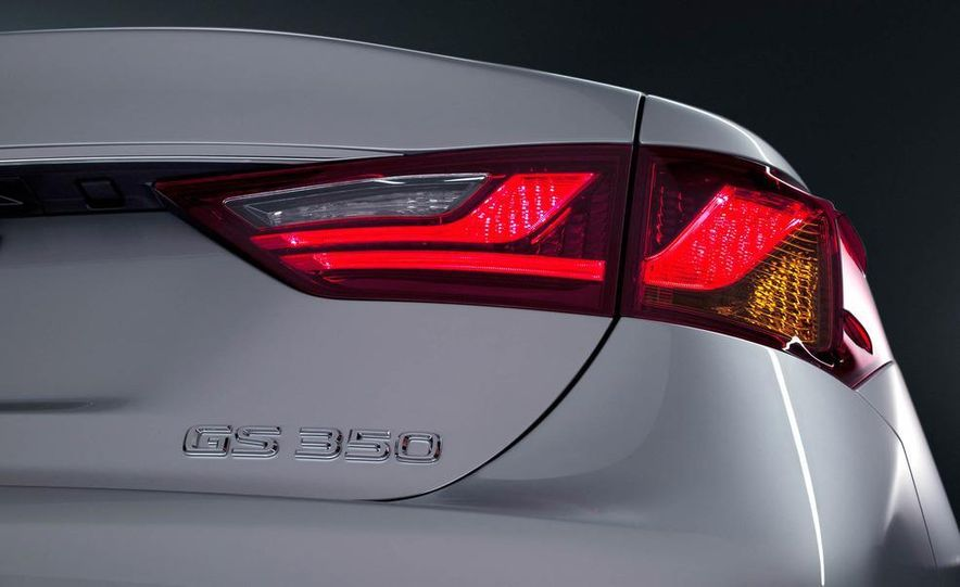 2013 Lexus GS350 - Slide 38