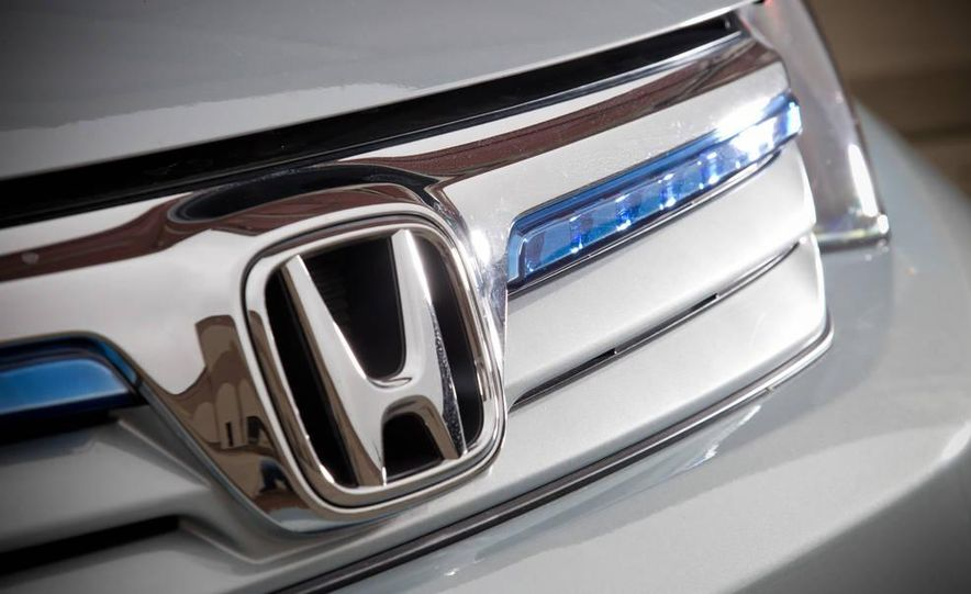 2012 Honda Civic hybrid - Slide 5