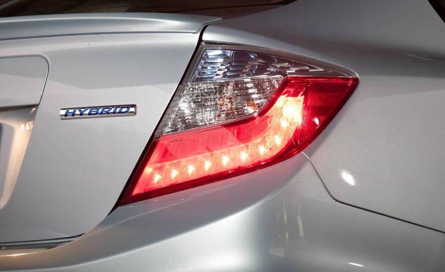 2012 Honda Civic hybrid - Slide 10