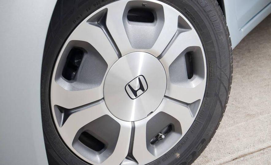 2012 Honda Civic hybrid - Slide 8