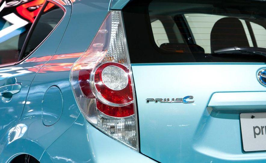 2012 Toyota Prius C - Slide 9