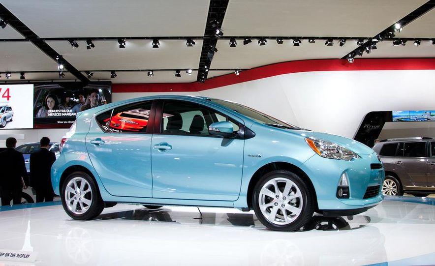 2012 Toyota Prius C - Slide 3