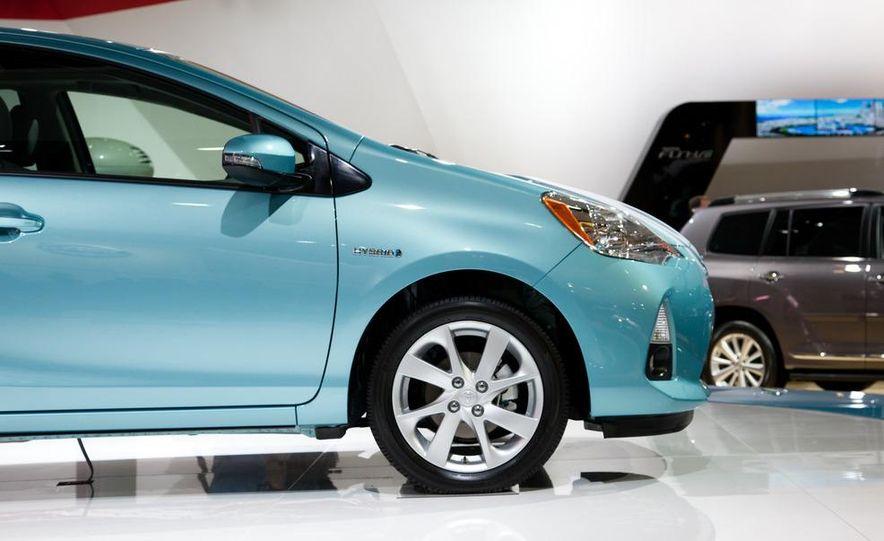 2012 Toyota Prius C - Slide 7
