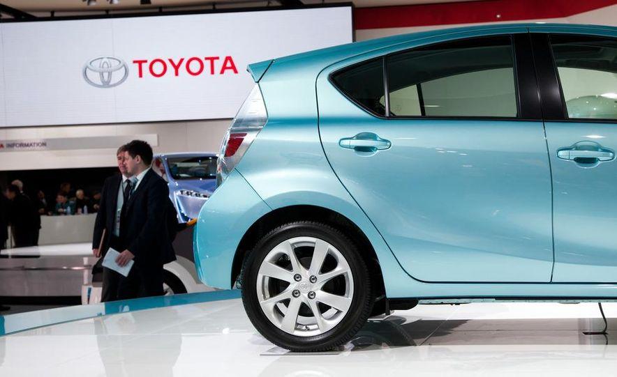 2012 Toyota Prius C - Slide 8