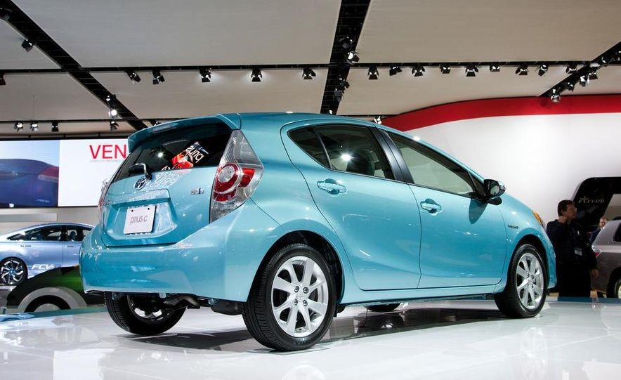 2012 Toyota Prius C - Slide 5