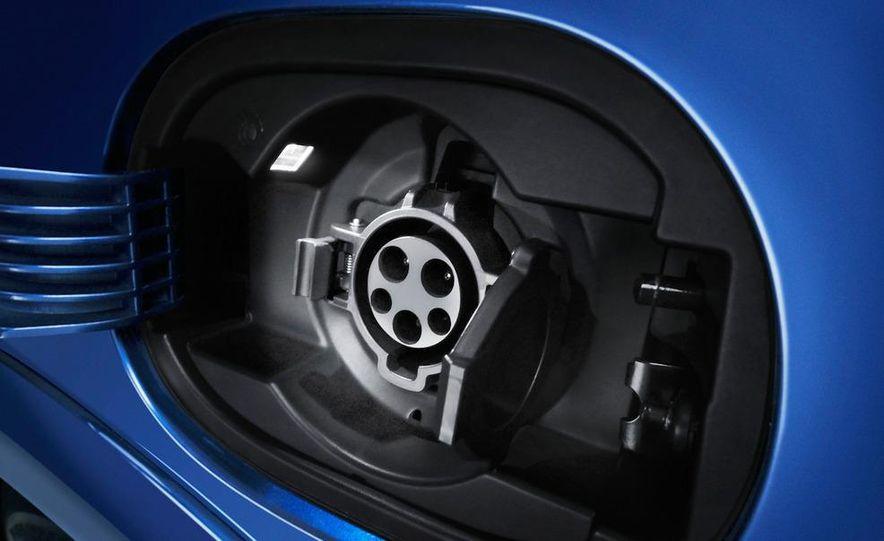 2013 Honda Fit EV - Slide 3
