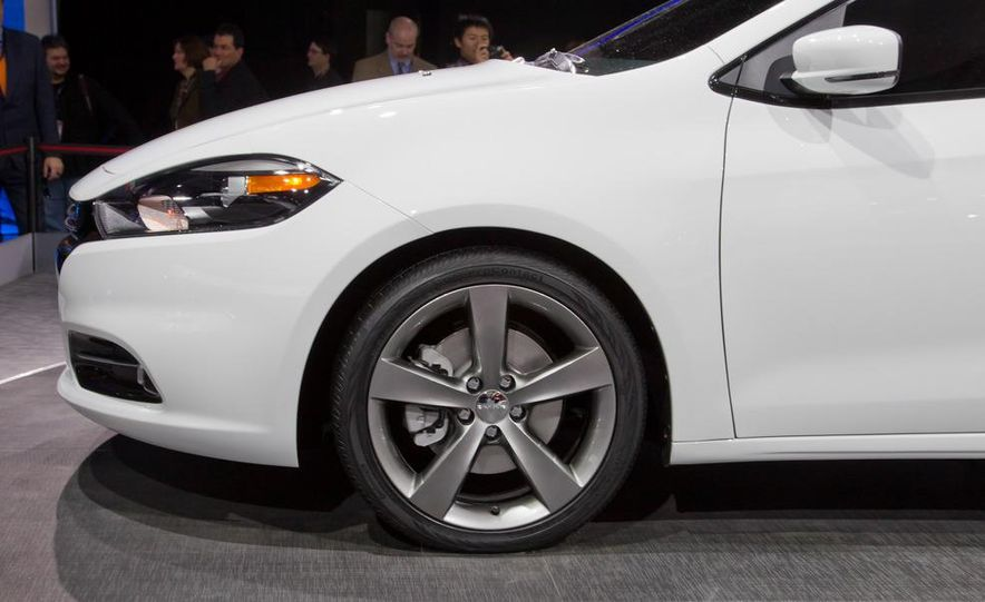2013 Dodge Dart - Slide 13