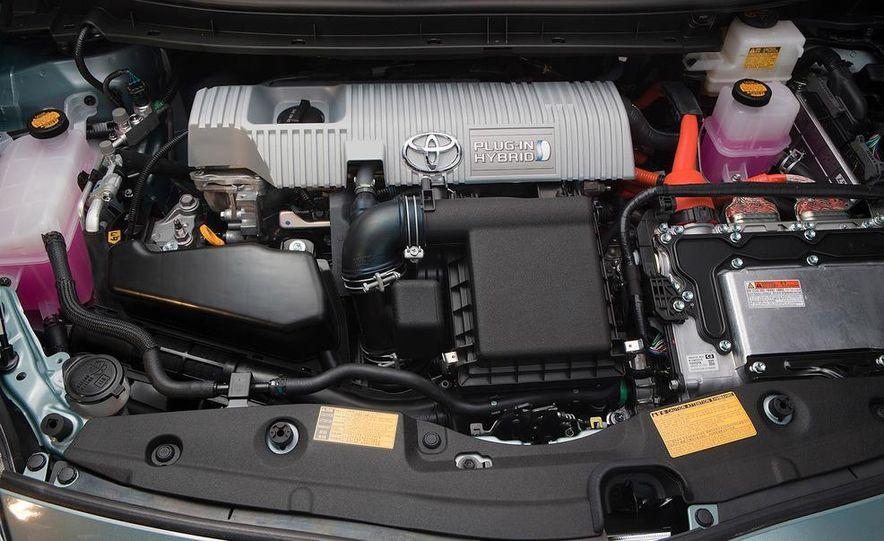 2012 Toyota Prius plug-in hybrid - Slide 30