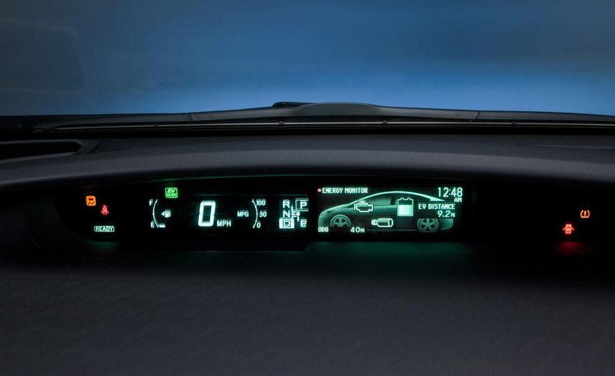 2012 Toyota Prius plug-in hybrid - Slide 29