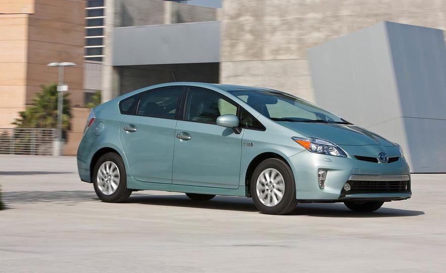 2012 Toyota Prius plug-in hybrid - Slide 7