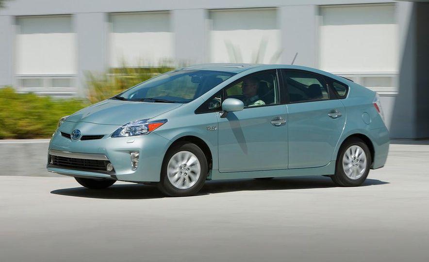 2012 Toyota Prius plug-in hybrid - Slide 13