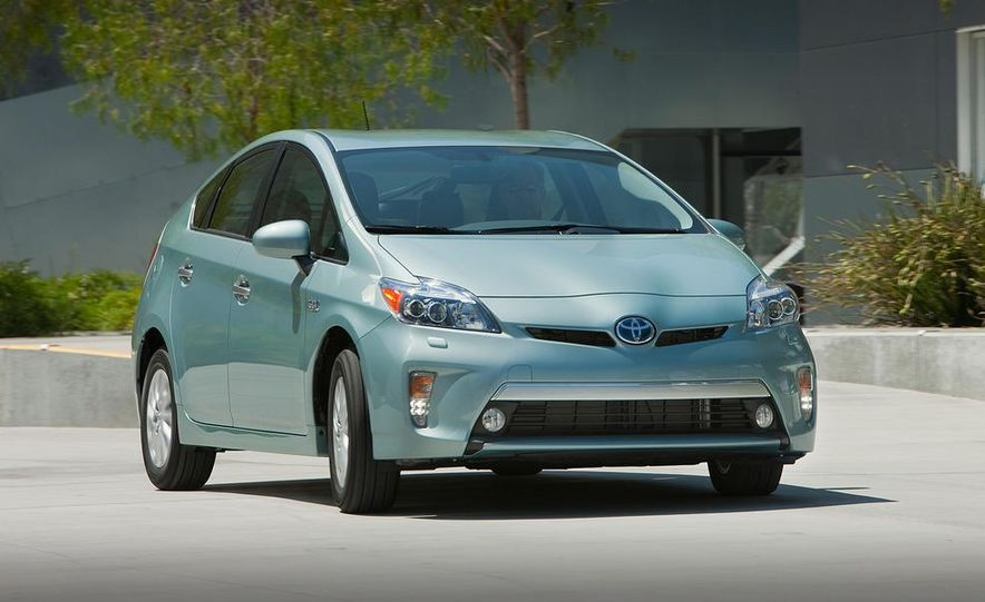 2012 Toyota Prius plug-in hybrid - Slide 17
