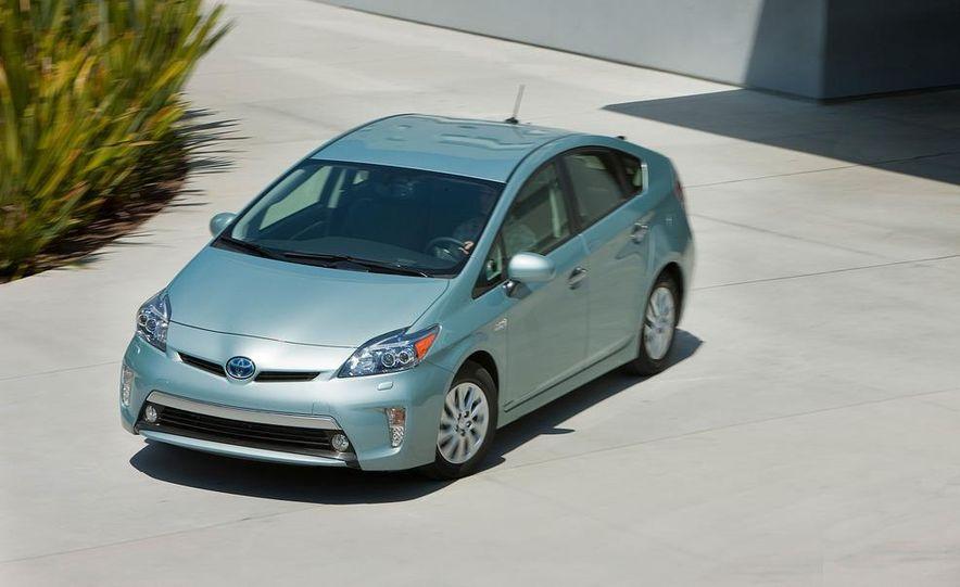 2012 Toyota Prius plug-in hybrid - Slide 18