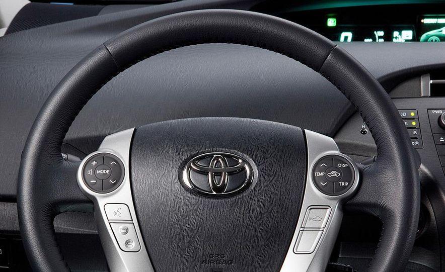 2012 Toyota Prius plug-in hybrid - Slide 24
