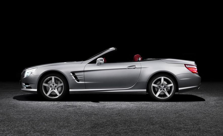 2013 Mercedes-Benz SL550 - Slide 20