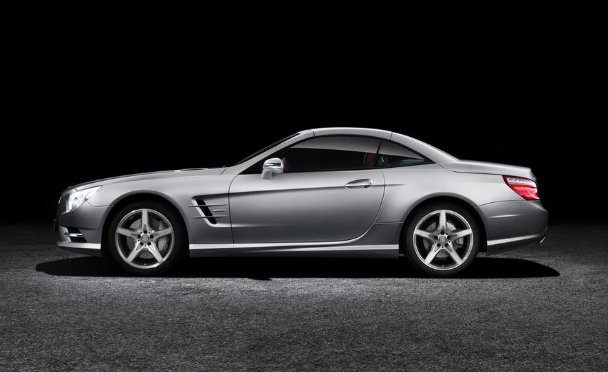 2013 Mercedes-Benz SL550 - Slide 21