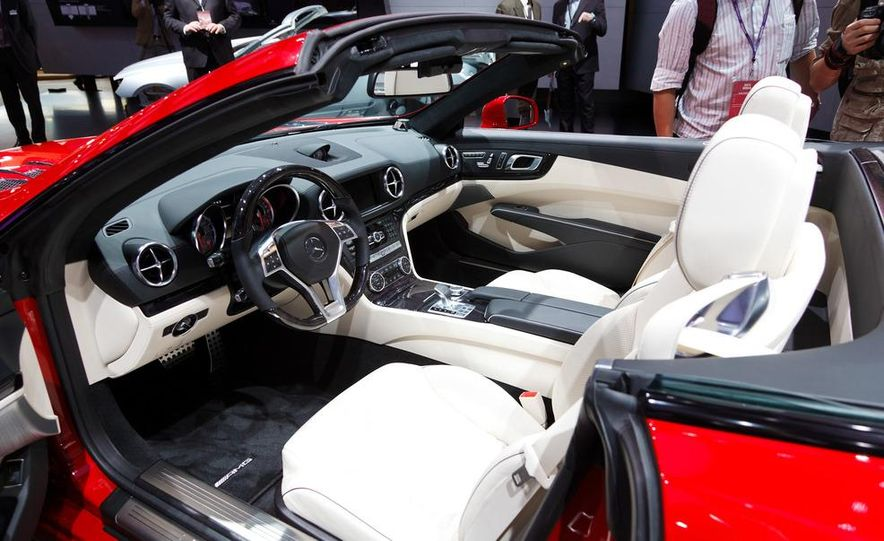 2013 Mercedes-Benz SL550 - Slide 15