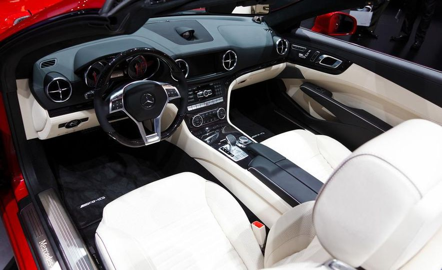 2013 Mercedes-Benz SL550 - Slide 16