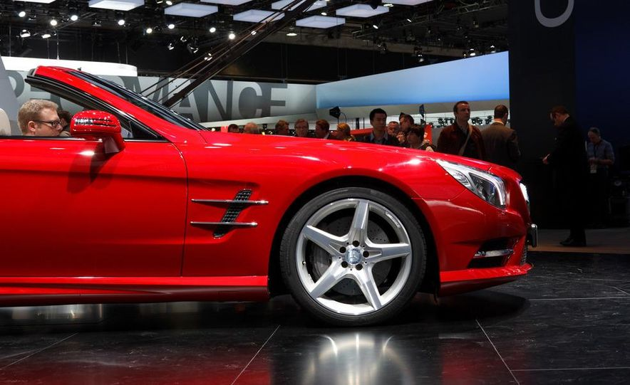 2013 Mercedes-Benz SL550 - Slide 11