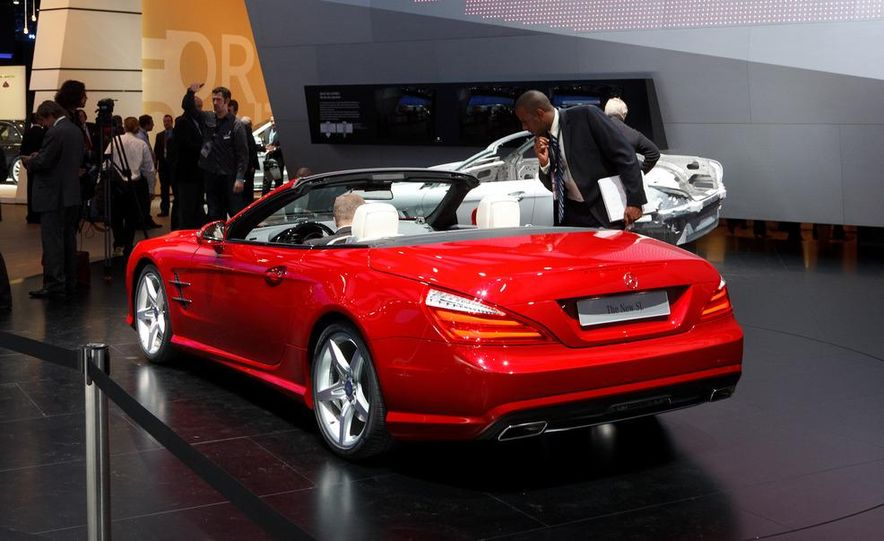 2013 Mercedes-Benz SL550 - Slide 9