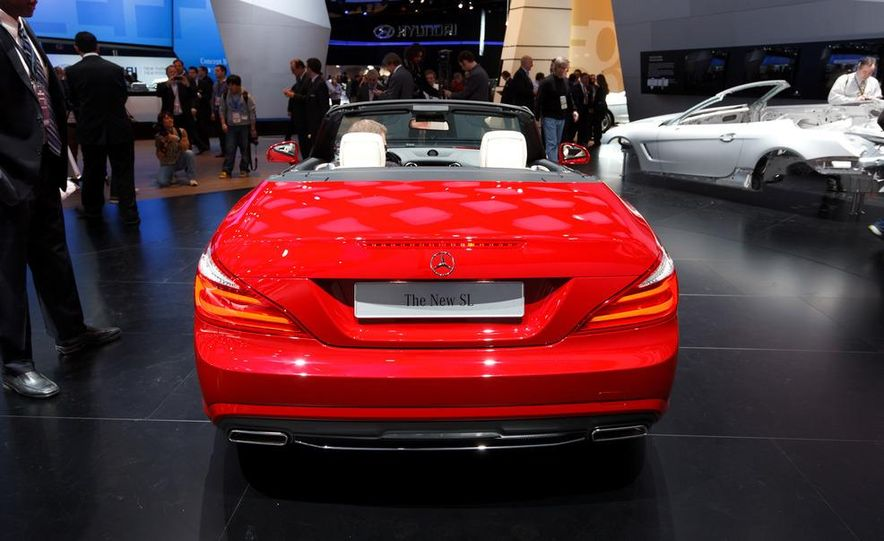 2013 Mercedes-Benz SL550 - Slide 7