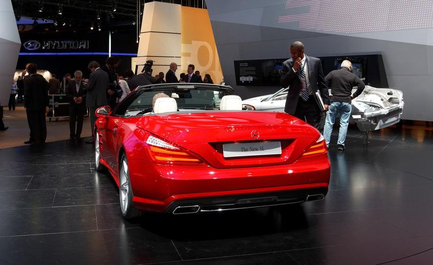 2013 Mercedes-Benz SL550 - Slide 8