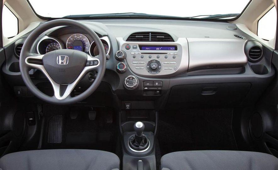 2011 Honda Jazz hybrid (Euro-spec) - Slide 34