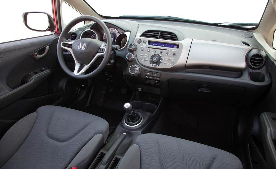 2011 Honda Jazz hybrid (Euro-spec) - Slide 35