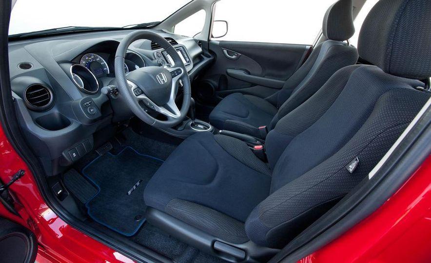 2011 Honda Jazz hybrid (Euro-spec) - Slide 26